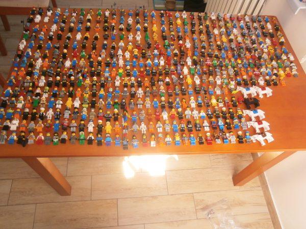 náhled LEGO 490 MINIFIGUREK + 1,097KG DOPLŇKŮ K FIGURKÁM TOP STAV
