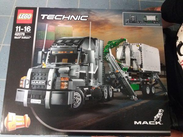 náhled Lego Technics 42078 Mack Anthem