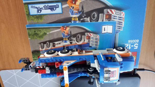 náhled LEGO 60056 odtahovka - přepravník strojů