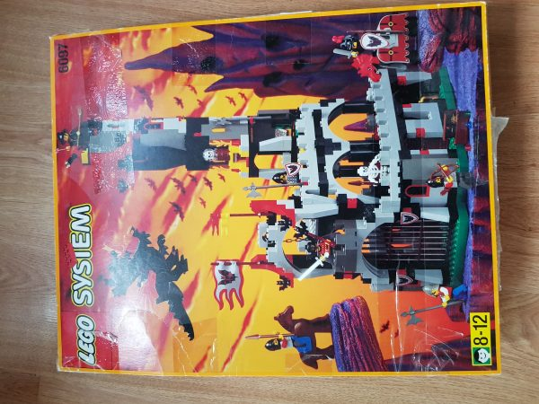 náhled Lego System 6097 - Hrad netopýřího pána z roku 1997
